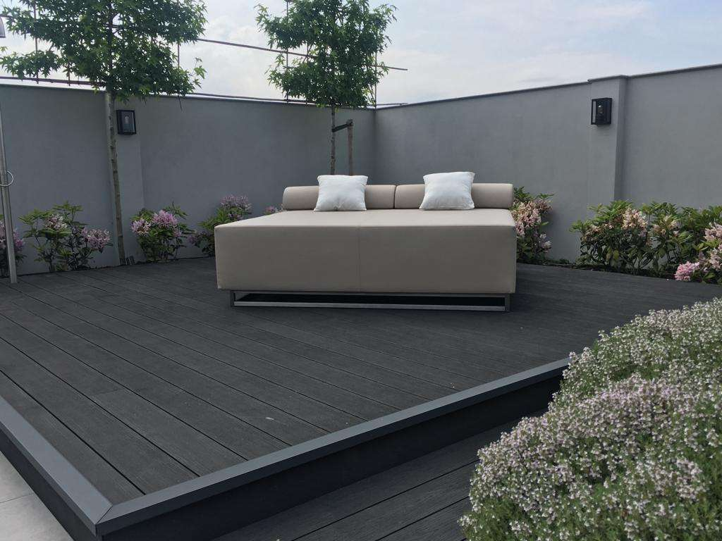 Round chaise lounge outdoor